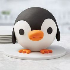This Penguin Ball Cake might just be too cute to eat! Made using the Rosanna Pansino Ball Pan, this round cake requires no carving and bakes in a smooth, round shape, ready for decorating! Animal Birthday Cakes, Penguin Birthday, Novelty Birthday Cakes, Animal Cakes, Cake Birthday, Wilton Cake Decorating, Birthday Cake Decorating, Oreos, Moose Cake