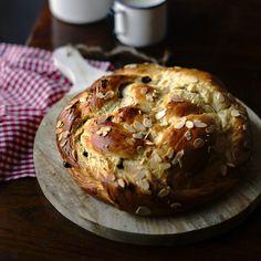 Pletený mazanec   Coolinářka Muffin, Baking, Breakfast, Sweet, Recipes, Food, Breads, Morning Coffee, Candy