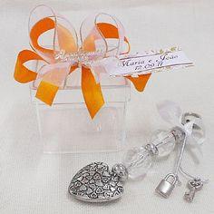 Lembrancinha de Casamento Caixa de Acrílico 5x5 com Chaveiro Coração $5.90
