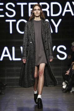 DKNY Ready To Wear Fall Winter 2015 New York - NOWFASHION