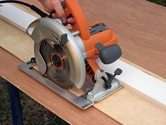 PM tells you how to build a your own circular saw guides. The guides are compact for easy storage and most importantly, they can help you work more accurately and safely in the shop.