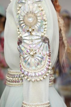 i haute you Manish Arora Haute Couture Spring 2015 Fashion Mode, Couture Fashion, Runway Fashion, High Fashion, Womens Fashion, Style Fashion, Trendy Fashion, Fashion Art, Couture Details