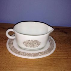 Vintage Pyrex Woodland Brown Gravy Boat Set by TheRustyNoodle on Etsy