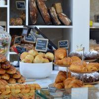 Liberté, la boulangerie-pâtisserie frenchy nouvelle génération Liberté est ouvert au 39 rue des Vinaigriers, 75010 Paris, du mardi au samedi de 07h à 20h, sur place (il y a quelques chaises et tables à v...