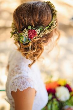 10 Flower Crown Hairstyles for Any Bride A low side bun would look gorgeous with any flower crown. This flower crown hairstyle would beautifully complement a vintage themed wedding. 10 Flower Crown Hairstyles for Any Bride Romantic Wedding Hair, Wedding Hair Flowers, Wedding Hair And Makeup, Flowers In Hair, Trendy Wedding, Hair Wedding, Wedding Blog, Wedding Ideas, Real Flowers