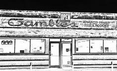 Old Gambles #facade #study 3. #gemcitynoir #monochrome #negative #HDR #Noir #streetphotography #fotografia #arte #quincyil #Mississippi #river