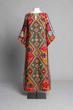 Cotton kaftan with bold geometric print by Peer Gynt, 1970s, manufactured by W.I.G. Fountain Ltd, Putiki St, Grey Lynn, Auckland NZ.