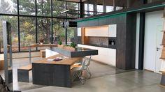 Unsere Ausstellungsküche mit selbst entwickeltem Schwenktisch im Industry Loft Style by Ebbecke-excellent einrichten