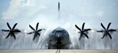 """STRANGE MILITARY PIXS - AMAZING USAF C-130 CARGO PLANE """"CARWASH!"""""""