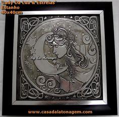 https://flic.kr/p/dEJaC4 | Lady da Lua e Estrelas by Lu Heringer - 2012 | www.casadalatonagem.com - Feito em estanho + envelhecedor de metais cinza. Vc pode encontrar o envelhecedor de metais no meu site.  Hecho con estaño y envejecedor de metales gris. Puedes encontrar el envejecedor en mi sítio.  Made with pewter + aging metal patina. you can find the aging metal patina on my site.  contact: luciaheringer@uol.com.br