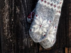 Julvanter deel 3 Vingers en duim – Thread and Talk Mittens Pattern, Crochet Pattern, Ravelry, Baby Mittens, Wool Gloves, Fingerless Mitts, Knit In The Round, Circular Needles, Drops Design