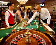 https://www.youtube.com/watch?v=3TNQfkiyAEI  Ein cooles Testvideo von dem neuen Novoline online Casino mit Merkur und BallyWulff Spielen. Hier spiele ich im online Casino wie in einer Spielhalle. Sehr genial und sicheres online Casino.