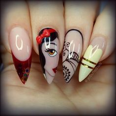 As the trend is increasing rapidly, women who are crazy for nail designs on regular intervals are planning to try easy stiletto nails designs and Ideas Crazy Nails, Fancy Nails, Trendy Nails, Cute Nails, Fabulous Nails, Gorgeous Nails, Nail Art Modele, Snow White Nails, Nagellack Design
