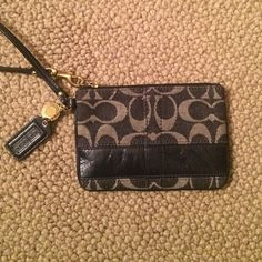 BLUE COSCH WRISTLET adorable small coach wristlet! Perfect for a casual afternoon bag when you don't feel like bringing out a whole bag! In amazing condition! Willing to negotiate price! Coach Bags Clutches & Wristlets