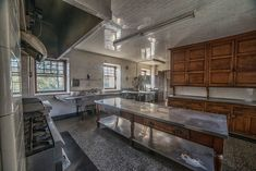 Photographer Kris Catherine gives an exclusive look inside the opulent mansions of Elkins Estate Old Mansions, Mansions For Sale, Architecture Old, Historical Architecture, Abandoned Buildings, Abandoned Places, Old World Style, Classic Interior, Historic Homes