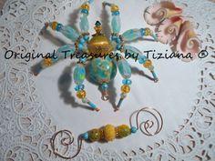Treasures-byTiziana-Tortoise-Shell-Aqua-Yellow-Beaded-Tarantula-Desk-Spider