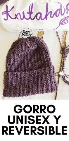 In this tutorial, you'll learn to knit a reversible and unisex hat for the whole family. This is a pretty easy pattern, knitted in the round, using the Broken Rib stitch. Knitting Stitches, Knitting Patterns Free, Free Pattern, Love Crochet, Knit Crochet, Crochet Hats, Knit In The Round, Knitted Hats, Unisex