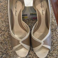 Liz Claiborne shoes. Tan and cream Open toe and open side pumps 2-1/2 heel Liz Claiborne Shoes Heels