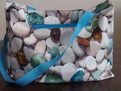 Een heerlijke tas gemaakt van tafelzeil.
