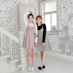 Korean Fashion – How to Dress up Korean Style – Designer Fashion Tips Korean Girl Fashion, Korean Fashion Trends, Ulzzang Fashion, Cute Fashion, Asian Fashion, Look Fashion, Teen Fashion, Fashion Outfits, Best Friend Outfits