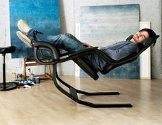 The Gravity Balans chair, fully reclined, elevates your legs above your heart, and rocks gently to the rhythm of your breathing, so you experience a liberating sense of weightlessness.
