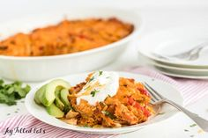 These keto Mexican recipes are the BEST for anyone on a low carb diet! All your favorite ketogenic Mexican food recipes - Keto nachos, healthy tacos, casseroles for easy dinners, LCHF enchiladas & more! Which low carb Mexican recipe will you try first? Easy Chicken Fajitas, Chicken Fajita Casserole, Easy Chicken Recipes, Low Carb Mexican Food, Mexican Food Recipes, Keto Recipes, Dinner Recipes, Healthy Carbs, Healthy Eating
