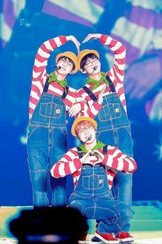 Jin, V & J-Hope❤ Awww tan tiernos🍭🍬