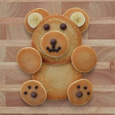 Happy National American Teddy Bear Day! Grab some #DWBpancakes, #bananas, and #chocolatechips to make this cute guy and celebrate! #teddybear #afterschoolsnack #pancakes #funwithfood Cute Food, Good Food, Yummy Food, Breakfast For Kids, Best Breakfast, Toddler Meals, Kids Meals, Pancake Art, Food Art For Kids