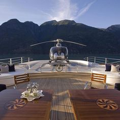 """The yacht life. >> Luxuvore for more! Luxury - > Luxuvore for more! Luxury""""> The yacht life. >> Luxuvore for more! Yacht Luxury, Luxury Travel, Luxury Cars, Luxury Homes, Yacht Design, Millionaire Lifestyle, Millionaire Dating, Beverly Hills, Boating Holidays"""