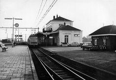 Het station zoals ik het nog ken. Later is dit station afgebroken en nieuw gebouwd. Dutch, Trains, Photos, Dutch Language, Train