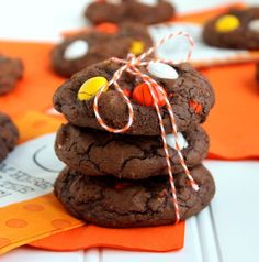 White Chocolate Candy Corn M&M Brownie Cookies | The Suburban Soapbox