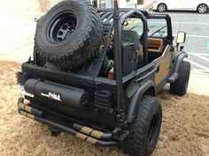Custom air tank on tailgate idea Jeep Cj7, Jeep Wrangler Yj, Jeep Wrangler Unlimited, Truck Tailgate, Jeep Truck, Jeep Wave, Jeep Mods, Bug Out Vehicle, Camper