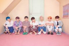 BTS is currently on a two-month-long hiatus, but Jimin just gave us the sweetest photo to help get us through. Foto Bts, Bts Photo, Saturday Night Live, Btob, Mamamoo, K Pop, Bts 4th Muster, Bts Twt, Bts Group Photos