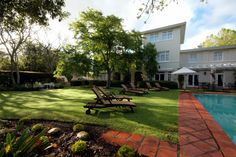 Luxury accommodation in Stellenbosch. Splendid service. Superb Rooms. You will never stay anywhere else!