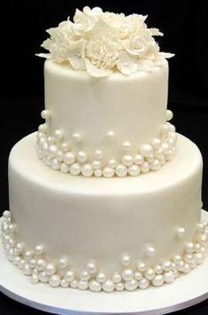 Bolos de casamento… Beautiful Wedding Cake Mais Wedding Cakes … Beautiful Wedding Cake Plus de mariage – White Wedding Cakes, Elegant Wedding Cakes, Elegant Cakes, Beautiful Wedding Cakes, Gorgeous Cakes, Wedding Cake Designs, Pretty Cakes, Amazing Cakes, Pearl Wedding Cakes