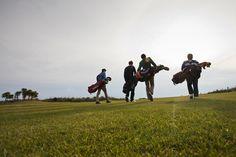Golfer à Old Head - Tourism Ireland