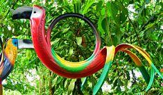 Os criativos vasos de flores e de plantas feitos com pneus são belos e chamam muita atenção, mas como podemos cortar esses pneus para fazer artesanato?