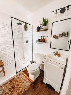 Interior Exterior, Bathroom Interior Design, Small Bathroom With Shower, Master Bathroom, Basement Bathroom, Washroom, Modern Farmhouse Bathroom, Bathroom Inspiration, Bathroom Ideas