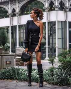 Literally my favorite sweater dress to date.thought it deserved another look! Tomboy Chic, John Hardy, Kendra Scott, Evening Outfits, Yves Saint Laurent, How To Make Shorts, Fashion Stylist, Foto E Video, Boyfriend Jeans