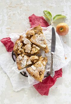 Rustic, filling, delicious Cinnamon Apple Pie. looks tasty have to try it some time!