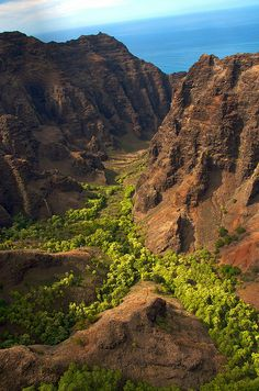 Kauai Waimea Canyon and NaPali coast, Hawaii