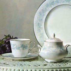 "Royal Doulton ""Meadow Mist"" (Erdinç Bakla archive)"