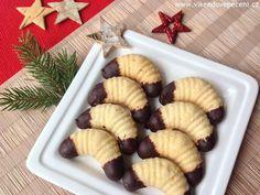 Křehké plněné rohlíčky - Víkendové pečení Christmas Cookies, Waffles, Cheesecake, Strawberry, Food And Drink, Fruit, Pizza, Breakfast, Blog