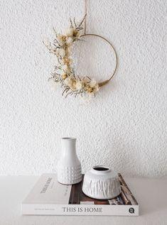 Petit vase blanc ANITA en terre cuite — CARNET SAUVAGE Bohemian Decoration, Vases Decor, Candle Holders, Creations, Wreaths, Candles, Home Decor, Flowers, Porcelain Vase
