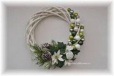 Risultati immagini per vánoční věnec na dveře Grapevine Wreath, Grape Vines, Wreaths, Christmas, Home Decor, Gift Wrapping, Xmas, Decoration Home, Door Wreaths
