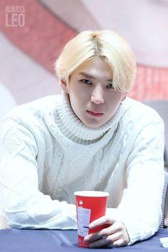 [K-pop] รบกวนขอรูปเมมเบอร์ Shinee/Exo/Vixx หน่อยค่ะ - Pantip