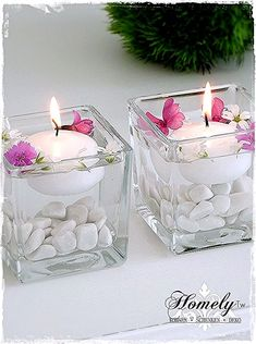 A small glass wind light filled with white gravel and a white floating core . A small glass wind light filled with white gravel and a white floating candle. You can fill the glass with water and decorate it with small flowers ar. Living Room Candles, Bedroom Candles, Floating Candle Centerpieces, Diy Candles, Floating Candles Wedding, Romantic Candles, White Gravel, Decoration Evenementielle, Table Decorations