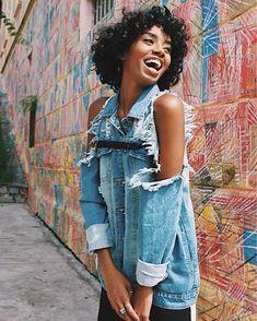 """Polubienia: 190, komentarze: 1 – Gala (@gala_basicwear) na Instagramie: """"T-shirt Eco Gola V  Shop Now! www.galabasicwear.com.br - Textura """"podrinha"""". #basicocomestilo"""""""