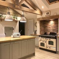 This is definitely my favourite pic of the kitchen💛📸 The extra work my other half put into the decorative oak truss certainly paid off! Barn Kitchen, Farmhouse Kitchen Decor, Open Plan Kitchen, Home Decor Kitchen, Country Kitchen, Kitchen Interior, Home Kitchens, Country Style Kitchens, Modern Interior