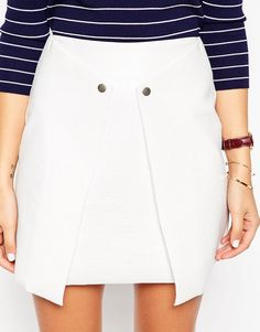 Cute white skirt here for summer. Wear it with a matching white 70's top for a very on trend look. Find it here: http://asos.do/MJGcss